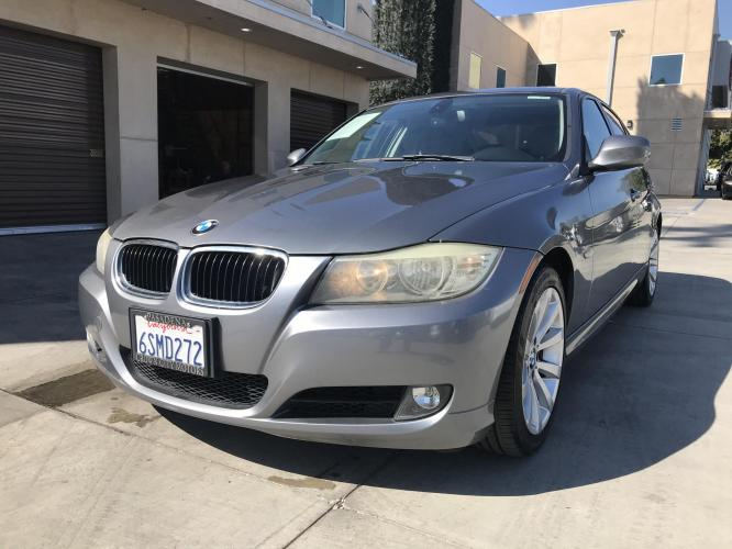 2011 Mineral Grey /Gray BMW 3-Series 328i SA SULEV (WBAPH5G53BN) with an 3.0L L6 DOHC 24V engine, Automatic transmission, located at 30 S. Berkeley Avenue, Pasadena, CA, 91107, (626) 248-7567, 34.145447, -118.109398 - Photo #0
